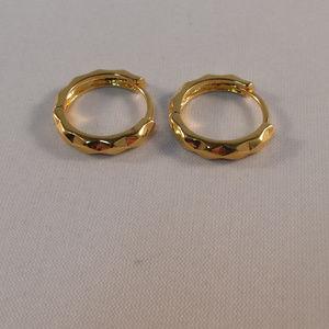 Jewelry - 24K Yellow Gold Carved Hoop Huggie Earrings 14mm